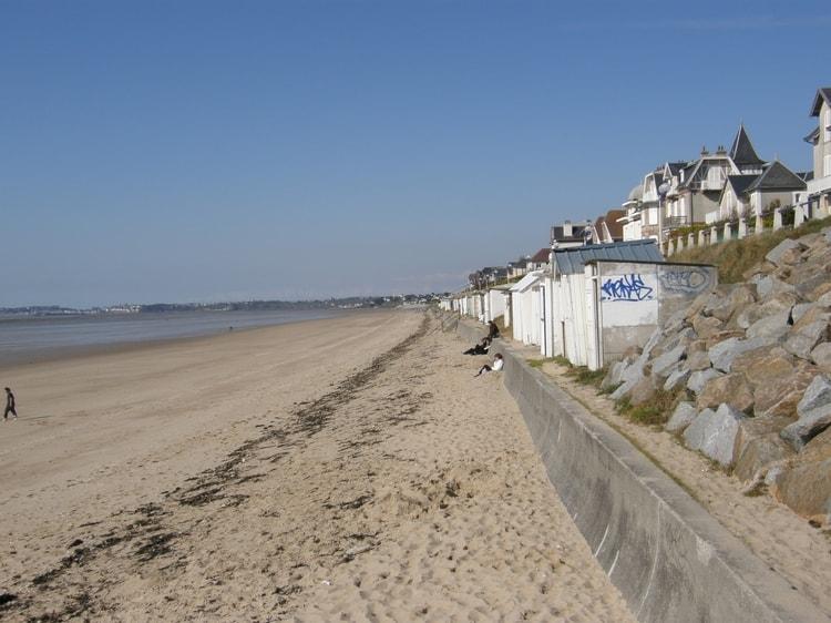 jullouville-la-plage ACTIVITÉS Visiter des lieux passionnants - Passez un séjour calme et intéressant